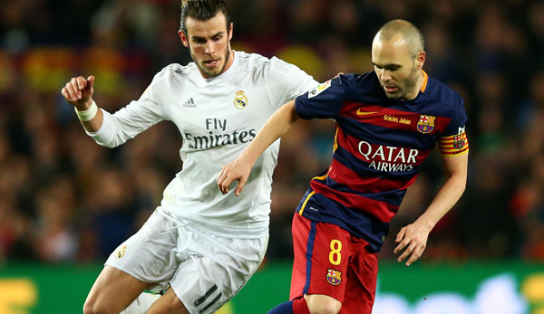Andres Iniesta (r.) hat selbst 30 Clasicos gegen Real Madrid gespielt.